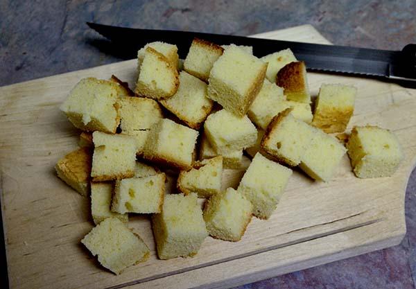 simply-caramel-parfait-poundcake-cubes