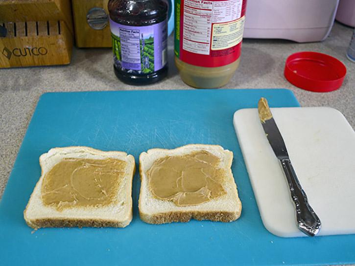 DIY freezer PB&J Sandwiches 1
