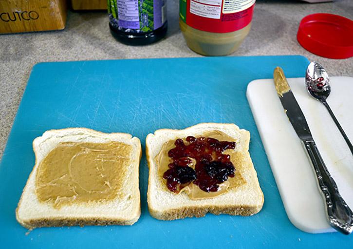 DIY freezer PB&J Sandwiches 2