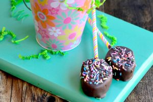 Chocolate Covered Easter Egg Pops