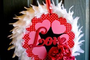 Super Easy Valentine's Day Wreath!!