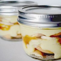 Caramel banana pudding in small mason jar