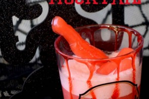 Vampire Kiss Cupcakes & Severed Finger Mocktails!! It's Halloween Celebrations time!!