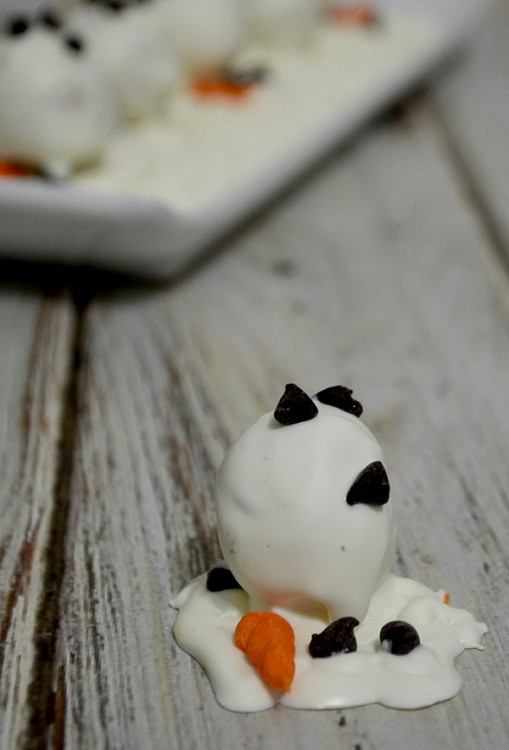 melted snowman oreo ball1