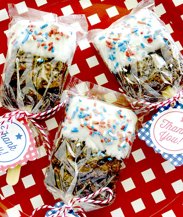 red white and blue brownie pops 1