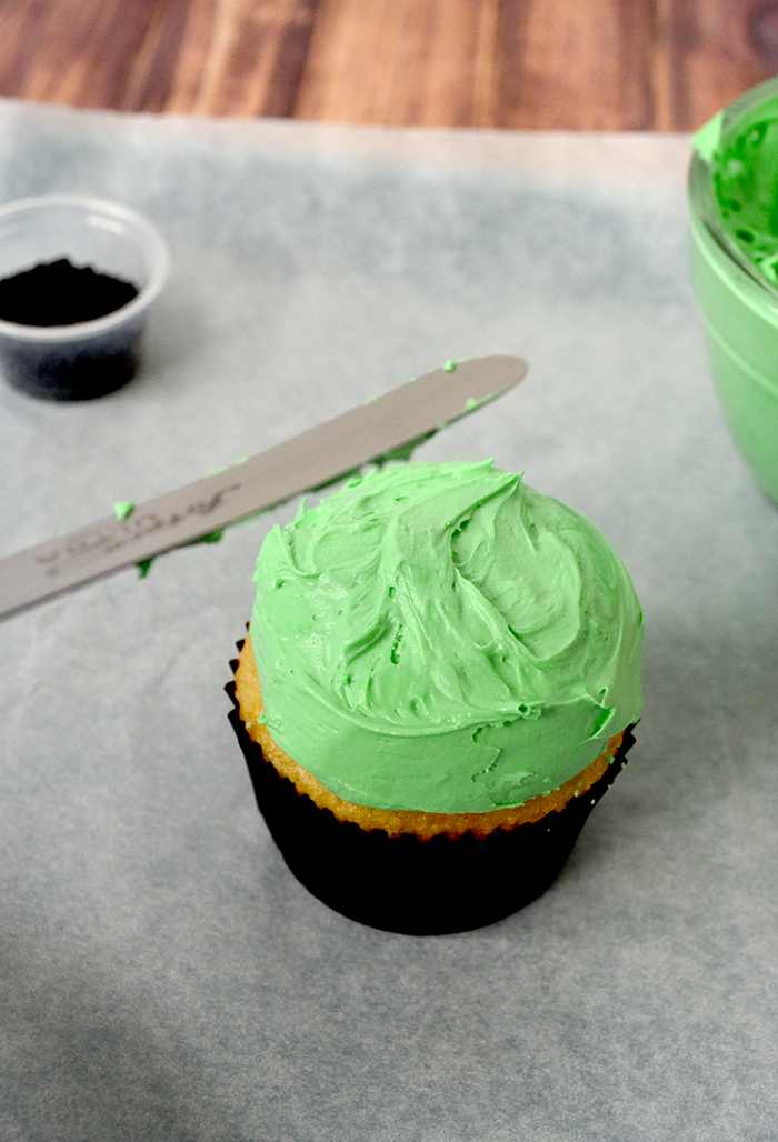 Frankenstein cupcake 3