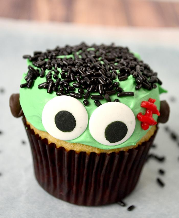 Frankenstein cupcake 7