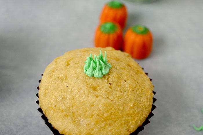 pumpkin patch cupcakes 3