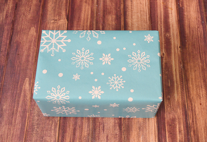 winter wonderland gift wrap a