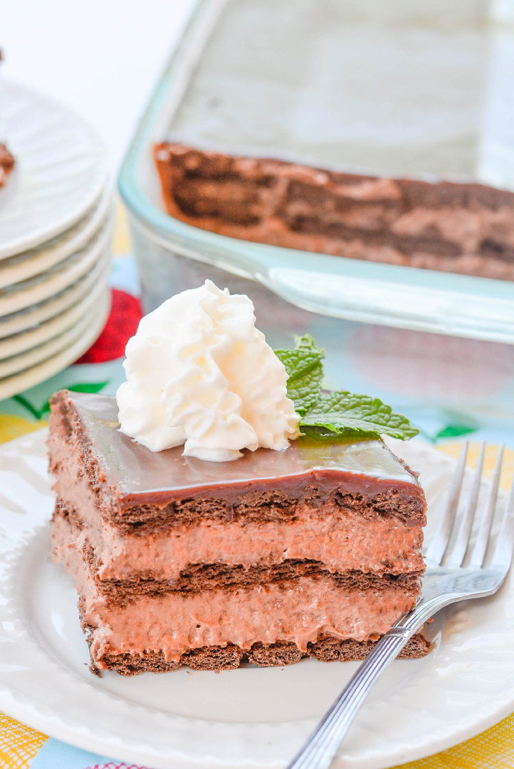 ce Box Cakes have been around since the 1920's can you believe that? It all started with a chocolate wafer and whipped cream. I have a fun twist on that Classic Chocolate Ice Box Cake.