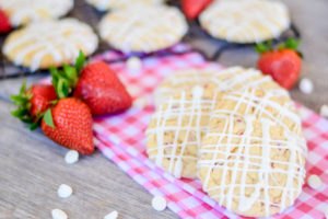 Strawberry Cheesecake Cookies